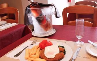 Menu à Carta ao Jantar para 2 pessoas por 23,70€ em Carcavelos!