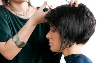 Mime os seus cabelos por 9,90€ na Rua do Ouro!