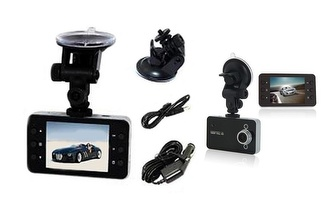 Câmara Full HD 1080p DVR para Carro LCD 2.4' por 45€!