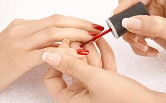 Manicure com Massagem Finalizante por 5€ em Algés!