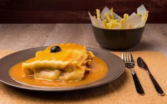 Francesinha ao almoço ou jantar por 7€/pessoa em Penafiel!
