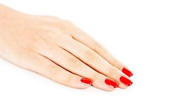 Ritual de Mãos: Manicure com Verniz Gel + Parafina por 15€ no Porto!