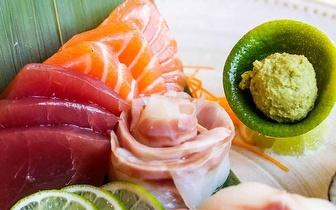 Sushi para 2 Pessoas com 50 Peças de Sushi de Autor + Cocktails por 56€ na Foz!