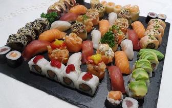 Menu Romântico de Sushi para 2 Pessoas ao Almoço por 27€ em Carcavelos!