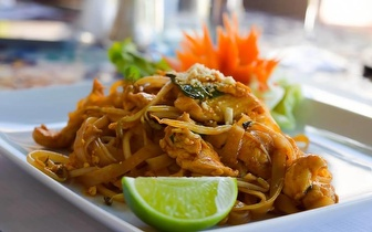 Almoço Tailandês para 2 pessoas por 29€ em Almancil!