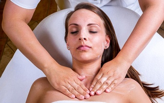 20 Tratamentos corporais com Manta de Sudação + Massagem de Relaxamento por 99€ em Queluz!