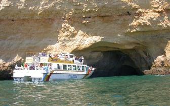 Cruzeiro na rota dos golfinhos com Stand-up e Exploração das Grutas por 36€/pessoa em Vilamoura!