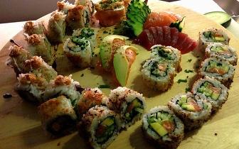 Sushi de Autor para 2: Combinado de 48 Peças + Sangria por 39€ nas Laranjeiras ao Jantar!