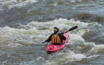 Mystic River: Caça ao Tesouro + Percurso de Jangadas + Canoagem + Jogos Team Building + Slide por 28€/pessoa no Mondego!