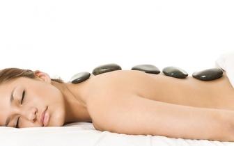 Massagem Relaxante com Pedras Quentes de 60min por 18€ na Charneca!