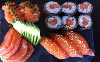 Rodízio de Sushi para 2 e Sangria de Espumante ao Jantar por 34€ nas Laranjeiras!