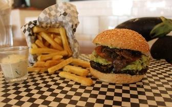 Aos Sábados: Menu de Hambúrguer Artesanal ao Almoço por 8€ na Braamcamp!