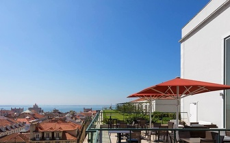Wine & Tapas para 2 por 18€ no Rooftop Bar do Hotel do Chiado!
