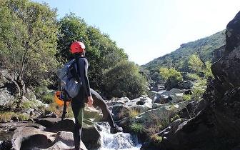 Caminhada aquática por 18€/pessoa no Rio Louredo na Portela!