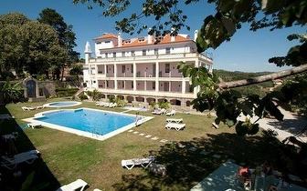 1 Noite para 2 pessoas, em Quarto Duplo com pequeno almoço, no Hotel Rural Mira Serra, por apenas 35€!