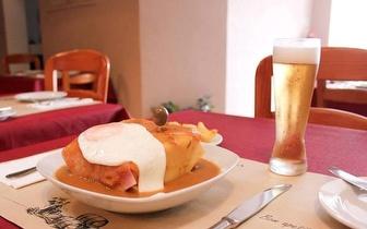 Menu de Almoço: Francesinha de Leitão para 2 Pessoas por 22€ em Carcavelos!