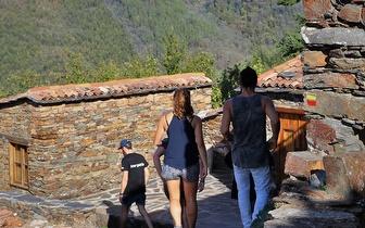Passeio de Jipe com Guia às Aldeias de Xisto para 1 a 4 Pessoas por 139€ em Coimbra!