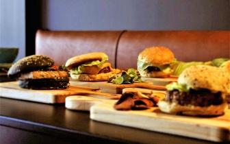 Menu de Hambúrguer Bio ao Almoço por 9,90€ em Torres Vedras!
