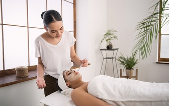 Limpeza de Pele + Massagem Craniofacial + Massagem Terapêutica por 35€ junto à Quinta das Conchas!