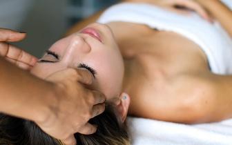 Massagem de Relaxamento + Mini Facial por 28€ na Lapa!