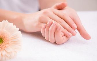 Manicure Simples: Aplicação de Verniz + Remoção de Calosidades por 5€ no Marquês!