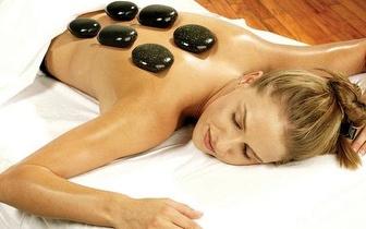 Massagem às costas com pedras quentes por apenas 9€ em vez de 25€!