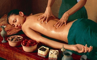 Vem fazer uma Massagem relaxante com aromoterapia ou Massagem de drenagem linfática, apenas 9€!