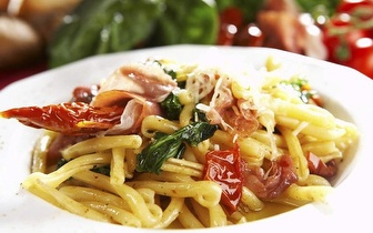 Comida Italiana e Indiana com 30% de Desconto em Fatura ao Almoço!
