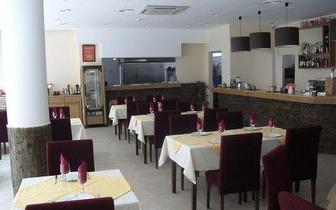 Aprecie um delicioso Franguinho à Guia + Bebida por 4,90€ em Albufeira!
