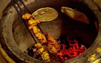 Entrada + 2 por 1 no prato + bebida indiana ao Almoço em Mem Martins!