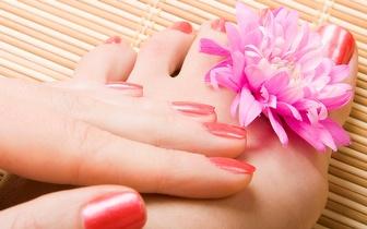 Manicure + Pedicure com hidromassagem e exfoliação por apenas 9€!
