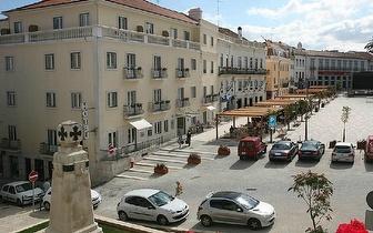 Escapada Romântica: Alojamento + Pequeno-almoço + Jantar + Espumante por 56€ em Torres Novas!