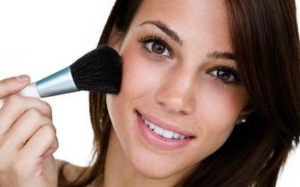 Venha experimentar uma aula de Auto-Maquilhagem a -50%!