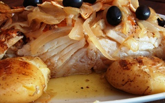 Almoço Tradicional para 2: Entradas + Bacalhau à Lagareiro ou Sardinhas à discrição por apenas 12€, em Lisboa!