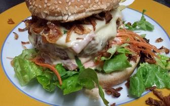 Menu de Hambúrguer Gourmet para 2 Pessoas ao Jantar por 25€ em Picoas!