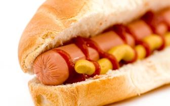 Fome a meio da noite? Aproveite a oferta de 2 por 1 em Hambúrguer ou Cachorro, em Coimbra!
