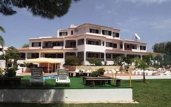 7 Noites em Apartamento Turístico em Albufeira para 4 Adultos + 2 Crianças por 395€!