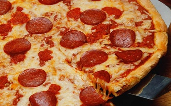 Menu Completo de Pizza para 2 Pessoas por 14€ ao Jantar em Portimão!
