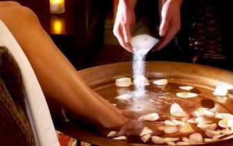 Pedicure + Massagem Pés + Oferta Sabonete Perfumado e Creme Pés, por apenas 16€