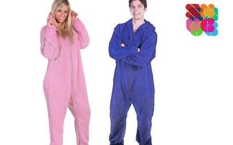 É Friorento? Experimente a Manta que também é Pijama por 11,90€!