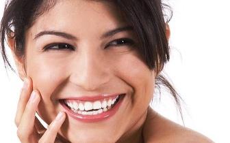 Limpeza Dentária + Branqueamento a Laser por 89€ em Carcavelos!