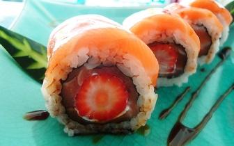 Almoço de Sushi de Fusão para 2 Pessoas: 40 Peças + Cafés por 19€ em Cascais!