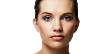3 Aplicações de Botox e Consulta de Cirurgia Plástica por apenas 229€ em Linda-a-Velha!