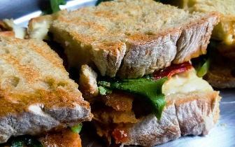 Menu Big Toast + Sumo + Café por apenas 3,50€ na Baixa!