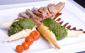 Naco de Porco Preto com Ameijoas ao Almoço para 2 à Beira Mar por 19€ em Sesimbra!